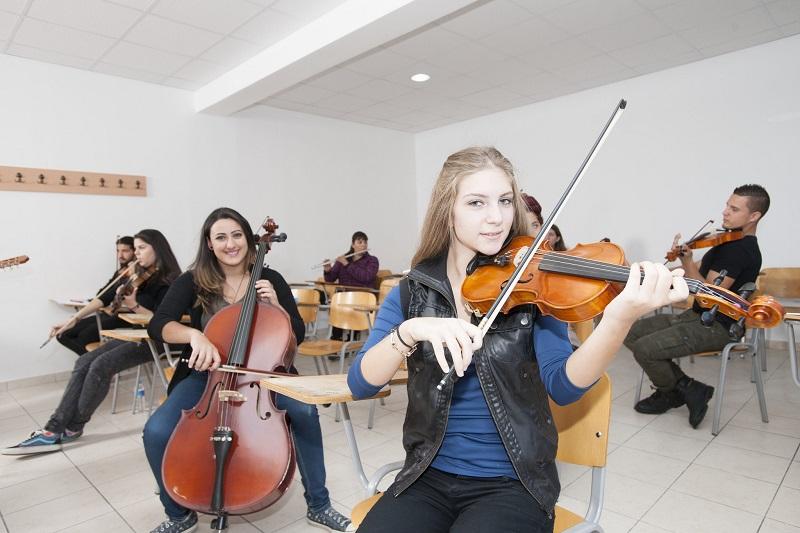 deal Müzik Öğretmeni Nasıl Bulunur